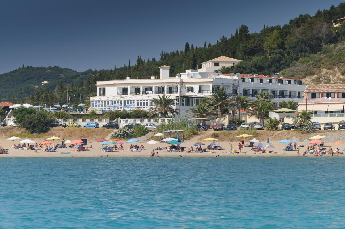 hotel agios georgios korfu urlaub direkt am strand. Black Bedroom Furniture Sets. Home Design Ideas