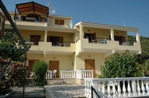 Appartements Katherina mit Gemeinschafts-Terrasse vornedran