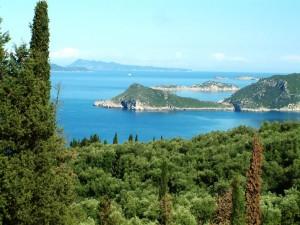 Grüne Insel Korfu aufgrund regenintensiver Wintermonate