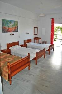 Zimmerbeispiel der Appartements Vasili in Agios Georgios