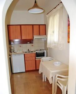 Kleine Küche im Appartement Haus Dimitri auf Korfu
