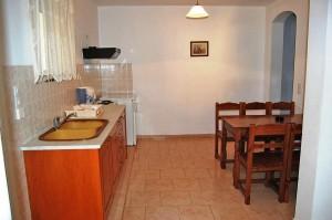 Küchenbeispiel des Appartements Elias in Agios Georgios