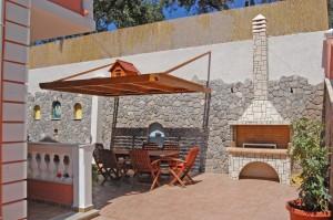 Grillbereich des Ferienhauses Angeliki