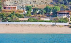 Wenige Meter zwischen dem Meer und Ferienhaus Nikolas