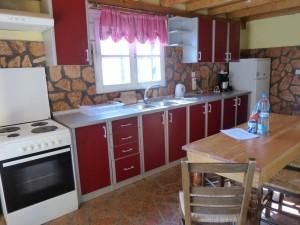 Küchenzeile im Ferienhaus Hamre
