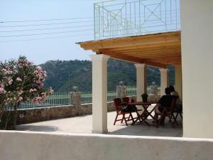 Terrassenbereich des Ferienhauses Jannis