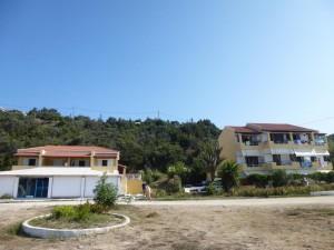 Haus Elias und Haus Vasili mit kleinem Vorplatz