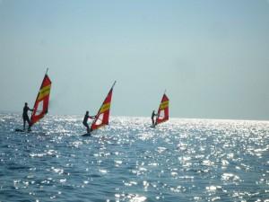 Surfen lernen im Urlaub Sithonia