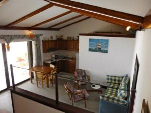 Offene Bauweise Haus Patras mit Küche und Wohn(schlaf)bereich