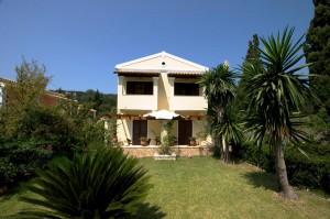 Vorderer Gartenbereich im Haus Miltiades auf Korfu