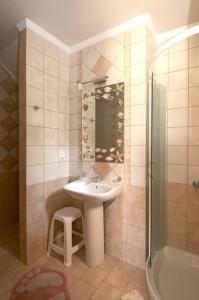 Badeszimmer in der Ferienwohnung Angeliki